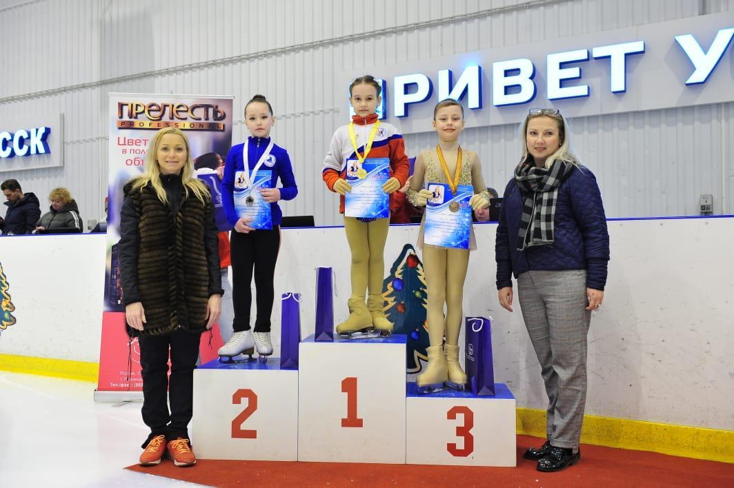 Буденновские фигуристы привезли бронзу с соревнований на призы Елены Бережной