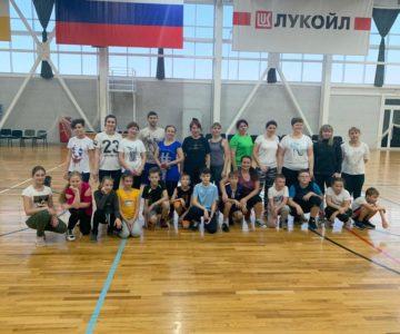 День матери отметили баскетболисты СТЦ «Лукоморье»