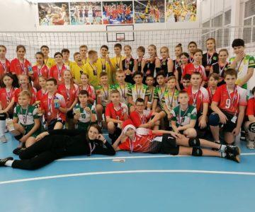 Новогодний турнир юных волейболистов